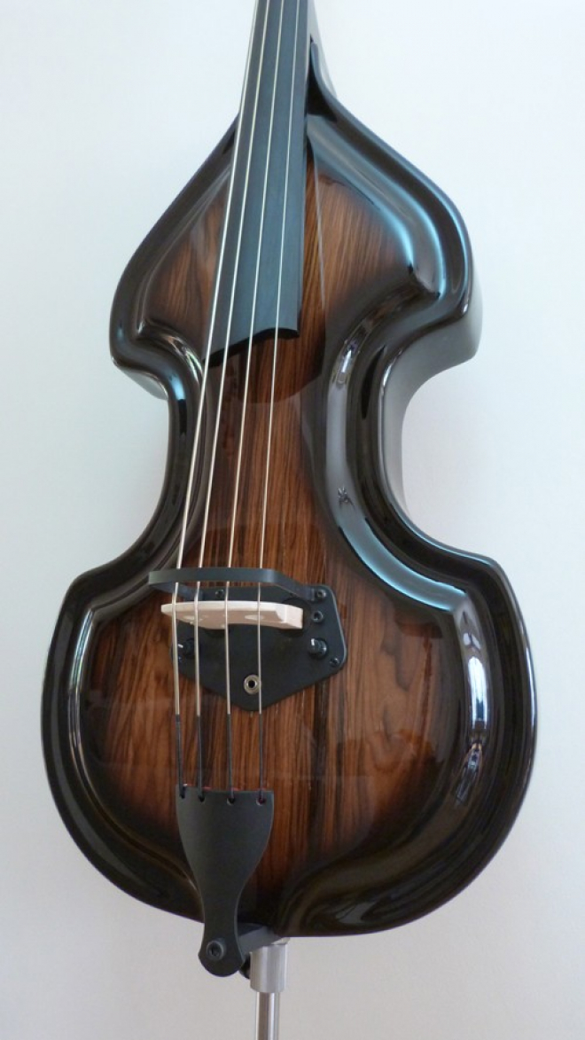 KK Baby Bass Traditional brown burst body – electric upright bass