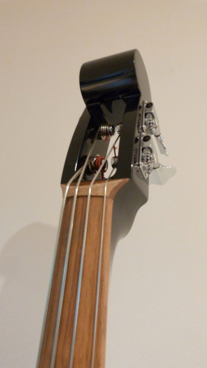 KK Baby Bass model KB1 granadillio fingerboard– electric upright bass